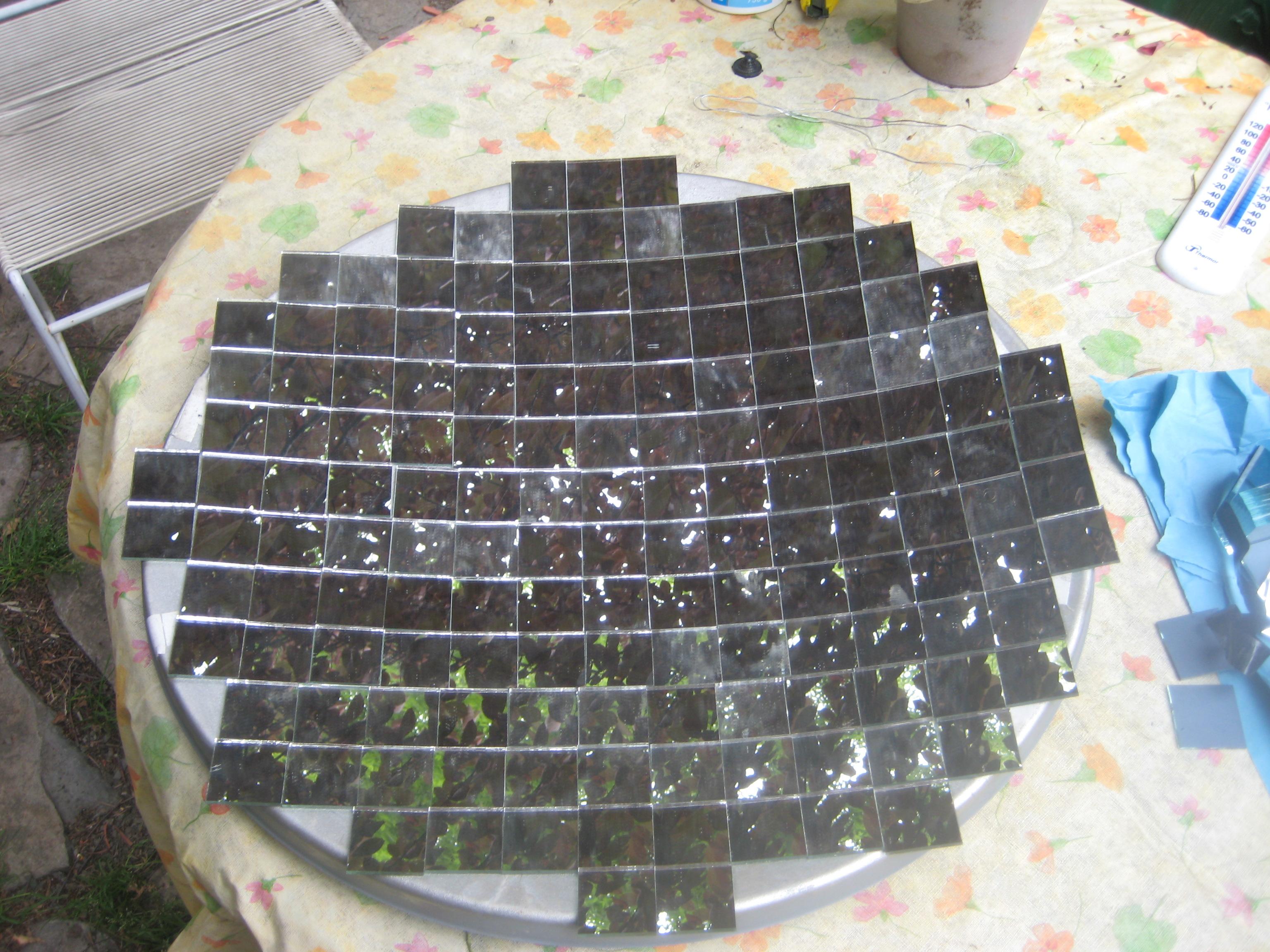 Parabole solaire avec stockage de l 39 nergie solaire for Miroir solaire parabolique